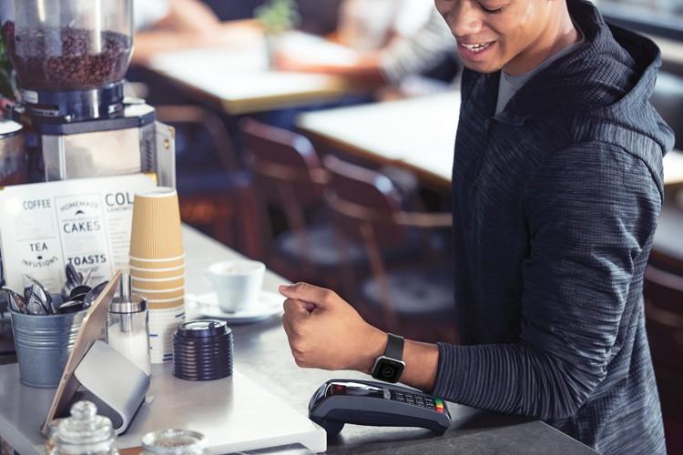 Paiements sans contact avec la smartwatch Fitbit