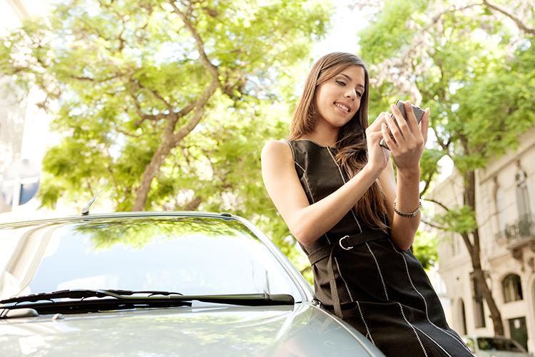 Voor startende chauffeurs is de app KBC DriveSafe, die je ondersteunt bij je eerste kilometers.